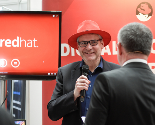 redhat-Stand
